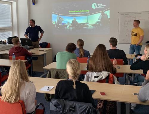 Flygelederforeningen besøker elever i Praha